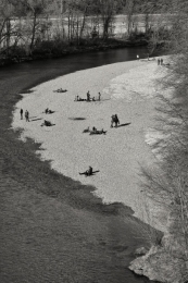 A warm winter day at the river Isar