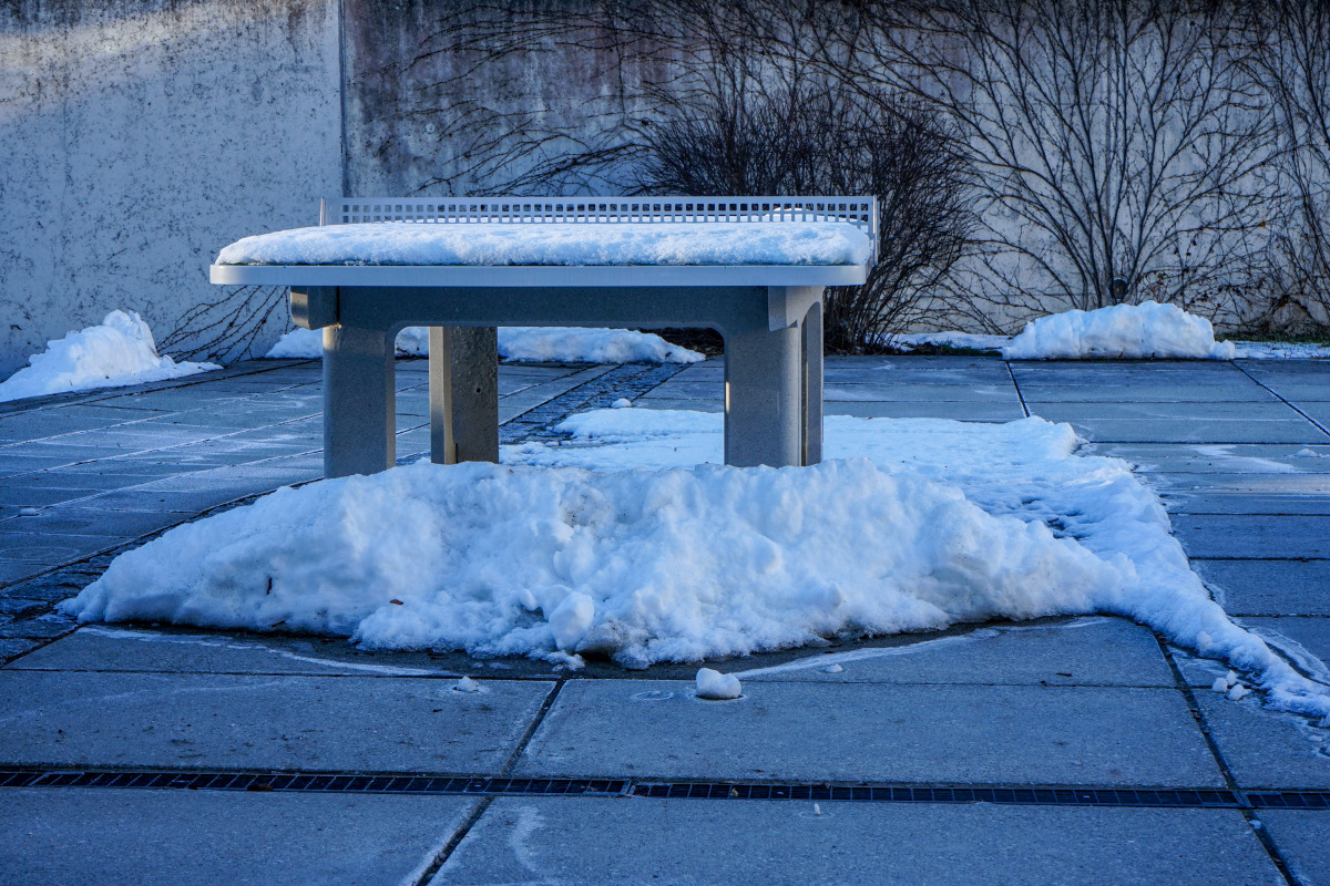 By the roadside # 1286 Tutzing, February 14, 2021: A snowed-in table tennis table.